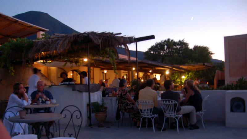 Hotel Signum, Salina, wining and dining, Photo by Lisa van de Pol, Italian Summers