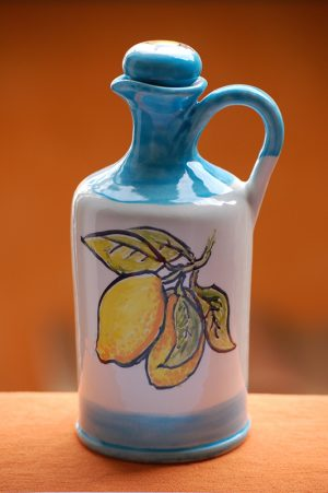 limoncello-bottle-amalfi-coast-limoncello-bello-lemons-by-italian-summers