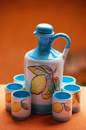 limoncello-set-amalfi-coast-bottle-and-glasses-by-italian-summers-lemons