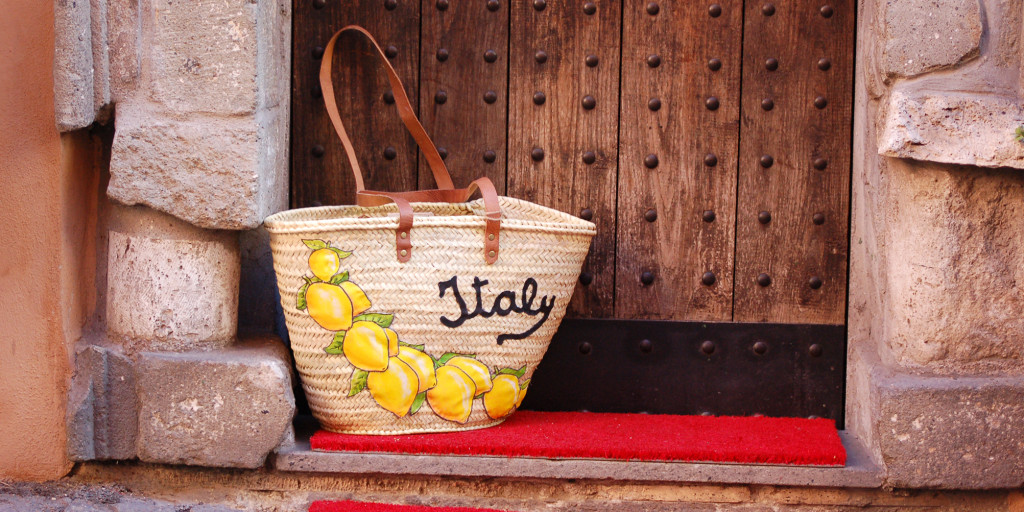 Straw bag Italian style by Italian Summers