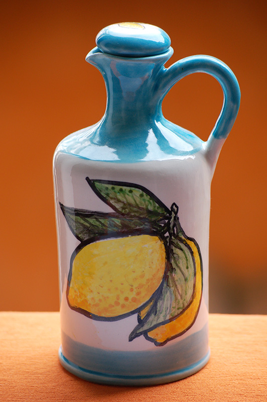 limoncello-bottle-amalfi-coast-limoncello-bello-by-italian-summers