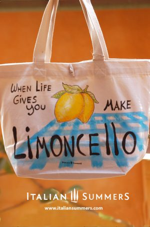Shopper tote bag WHEN LIFE GIVES YOU LEMONS by Italian Summers.